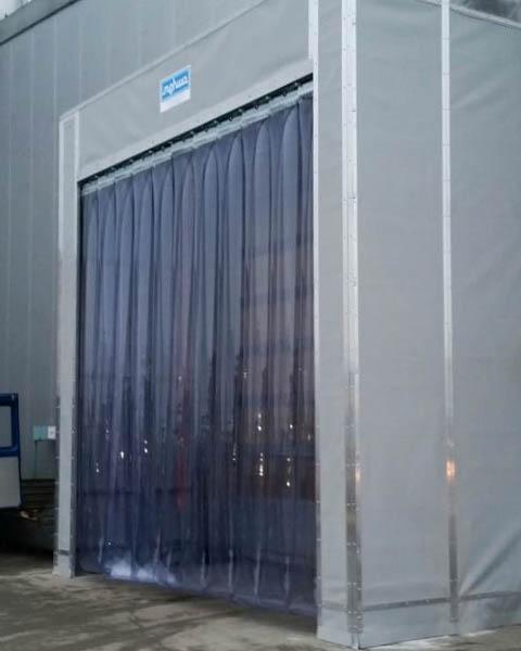 Streifenvorhang als Torabdichtung - für den Innen- und den Außenbereich