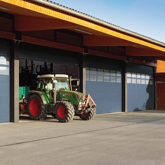 Bild 7 Industrie- Sektionaltor Landwirtschaft